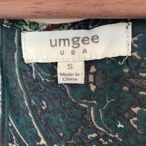 Umgee Tops - ❤️ Umgee Printed Chiffon Peplum Blouse Size Small